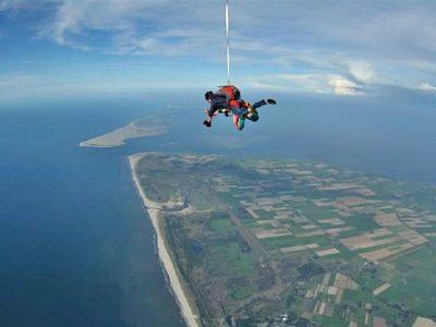 Skydive Texel boek je bij Adventuretickets.nl