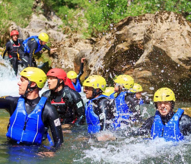 Basic canyoning Cetina rivier bij Omiš cover