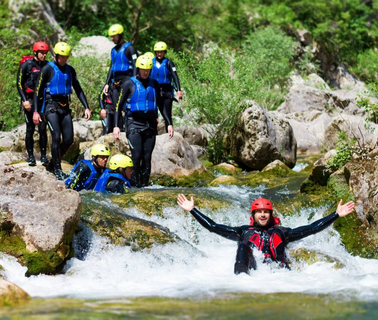 Advanced canyoning Cetina rivier bij Omiš cover