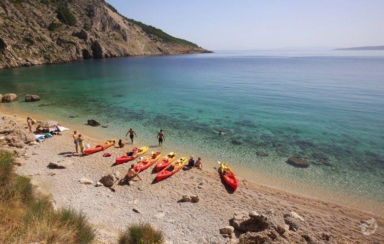 Zee kajakken en snorkelen Brela Dalmatië Kroatië