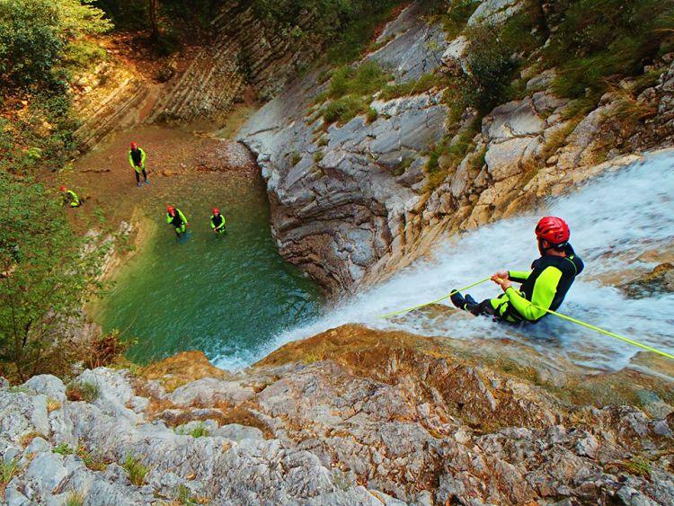 Halve dag Advanced Canyoning - Tremosine Garda Meer - Italië