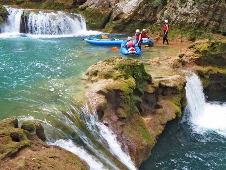 Tweedaagse kajak expeditie Mreznica rivier Kroatië cover