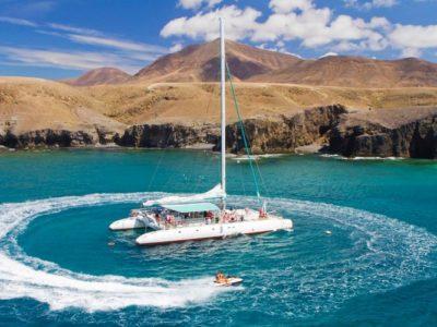4 uur zeilen inclusief jetskiën en lunch Puerto Calero Lanzarote