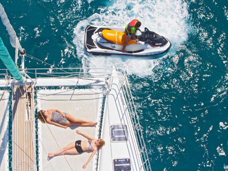 4 uur zeilen inclusief jetskiën en lunch Corralejo Fuerteventura
