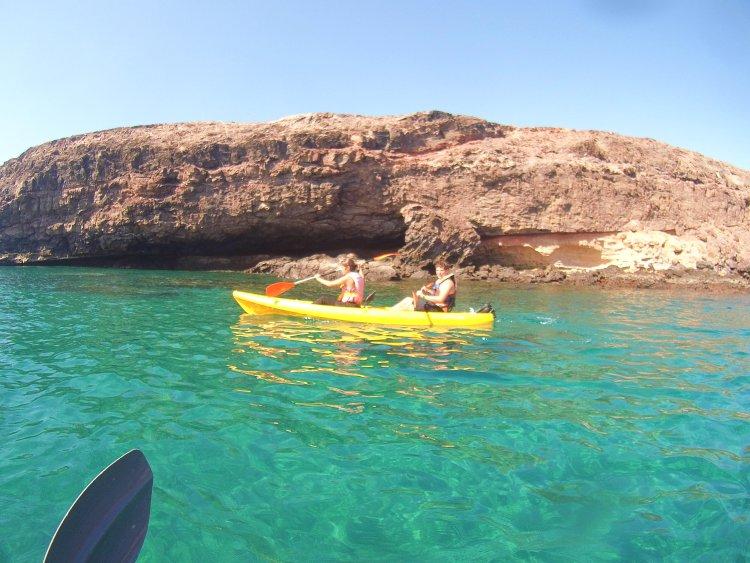 2,5 uur kajakken en snorkel excursie Tarajalejo Fuerteventura