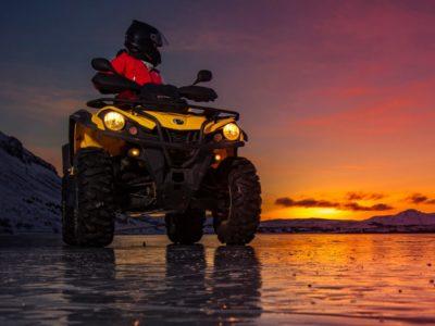3,5 uur quad excursie Midnight Sun Reykjavik IJsland