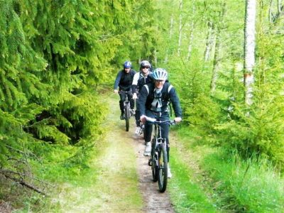 5 uur advanced mountainbiken Single Track Stockholm Zweden
