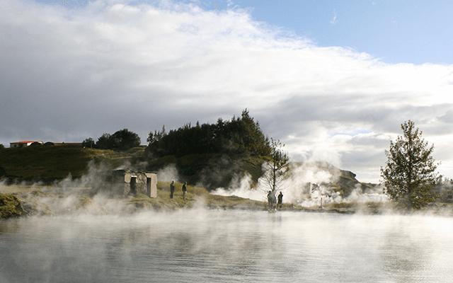 Bus tour naar de Secret Lagoon