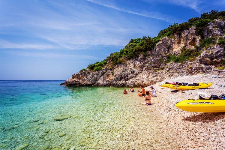 Hele dagtour kajakken bij Dugi Otok Zadar Kroatië