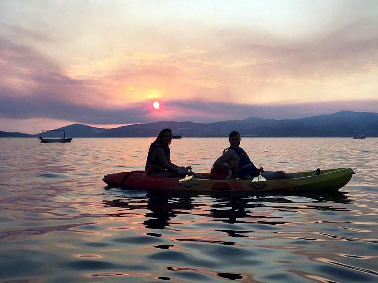 Zeekajakken Bij Zonsondergang In Split Kroatië