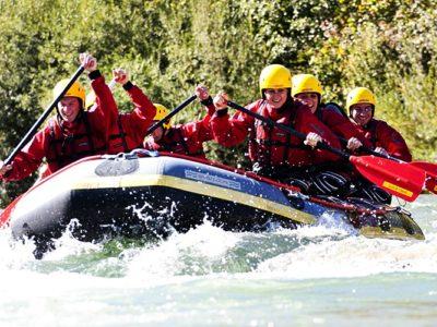 Raften op de rivier Isar vanuit Lenggries Beieren