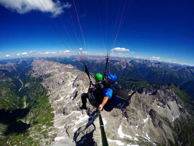 Paragliden op één van de beste plekken in de Noordelijke Alpen? De berg Nebelhorn in de gemeente Oberstdorf is dé plek! Het hele jaar door is het hier mogelijk om te paragliden
