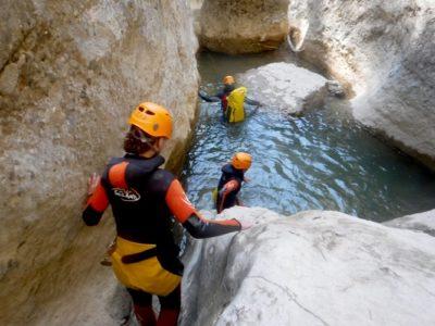 Canyoning door de Pas de l'Escalell kloof nabij Barcelona