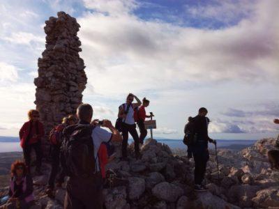 hiken Kozjak en de Vranjaca grot vanuit Split Kroatië