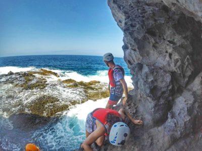3 uur coasteering en klif springen Tenerife